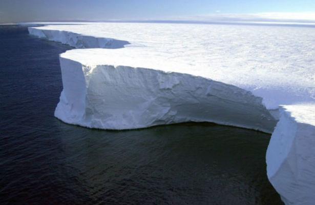 El iceberg más grande en la Antártida llega a su fin, según expertos