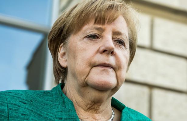 Gobierno de Merkel pasa por su crisis política más grave