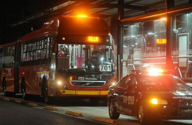 Una vez más pasajeros del Metrobús son víctimas de la delincuencia