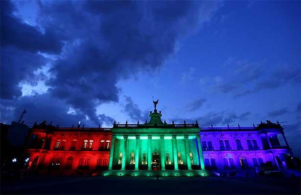 En Mty festejan que México sea sede mundialista