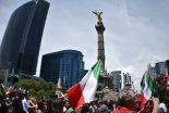"""Al grito de """"Todos al Ángel"""" una ola verde, roja y blanca inundó el Paseo de la Reforma"""