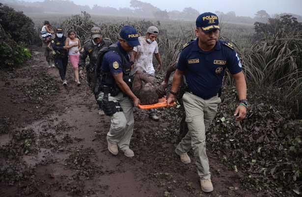 Aumenta a 30 muertos por erupción del Volcán de Fuego en Guatamala [Videos]