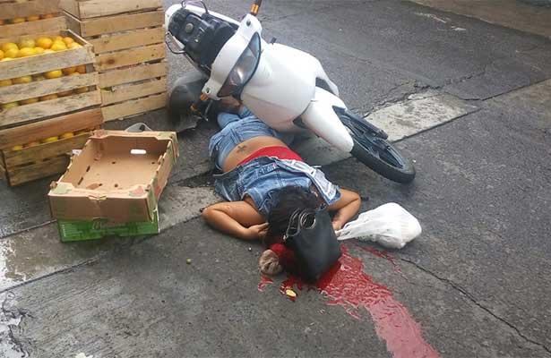 Ejecutan en Guanajuato a pareja que iba en motos