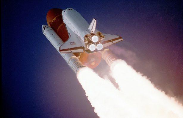 SpaceX posterga plan de enviar turistas alrededor de la Luna