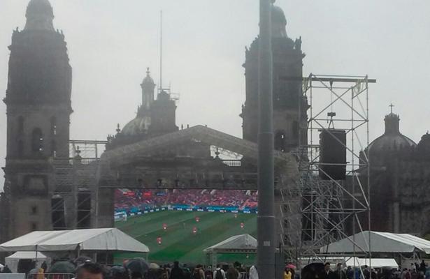Inauguran el Zocafut con megapantallas para la afición mexicana