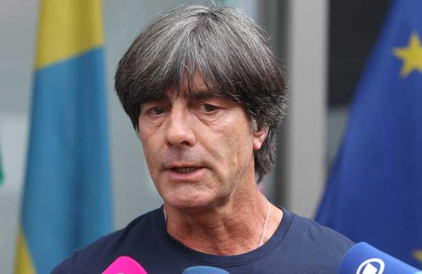 Continúa Joachim Löw como técnico de Alemania