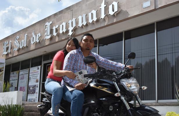 Alejandro y Brenda, los felices novios del Pollo Feliz