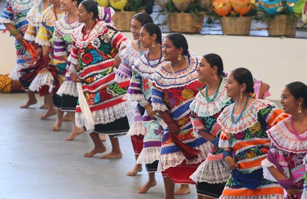 Con gran júbilo celebran la Guelaguetza 2018