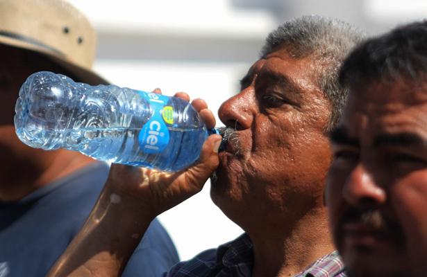 Alertan a ocho estados por calor extremo