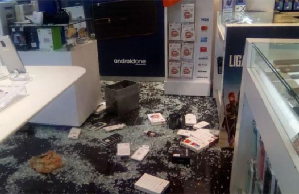 (Video) Asaltan tienda departamental en Plaza Tezontle
