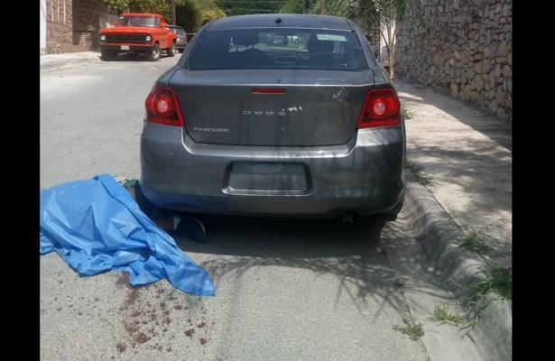 Comerciante evita a balazos secuestro, en Nuevo León