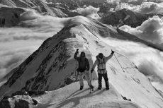 Mueren dos alpinistas mexicanos tras avalancha en Perú