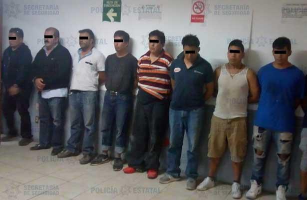 Atoran a 13 por robo a transportistas