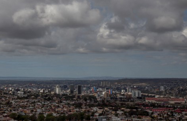 Se pronostica cielo nublado y potencial para lluvias aisladas en el Valle de México