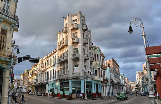 Cuba da nueva luz verde al trabajo privado pero aumenta control