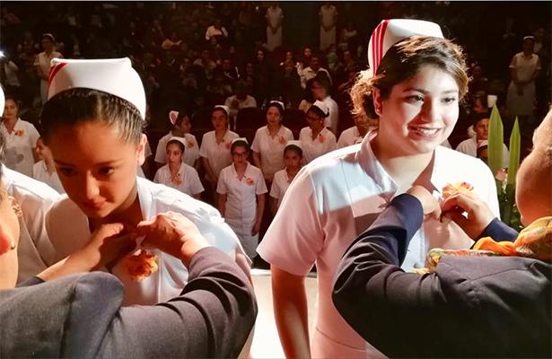 Gradúa la Escuela de Enfermería de la Cruz Roja Naucalpan a 30 alumnas