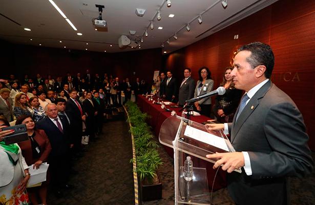 Promover alternativas de crecimiento en el sur del estado en beneficio de los quintanarroenses: Carlos Joaquín