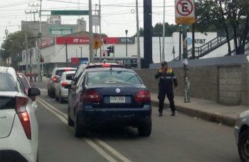 Policías de tránsito multan a diestra y siniestra
