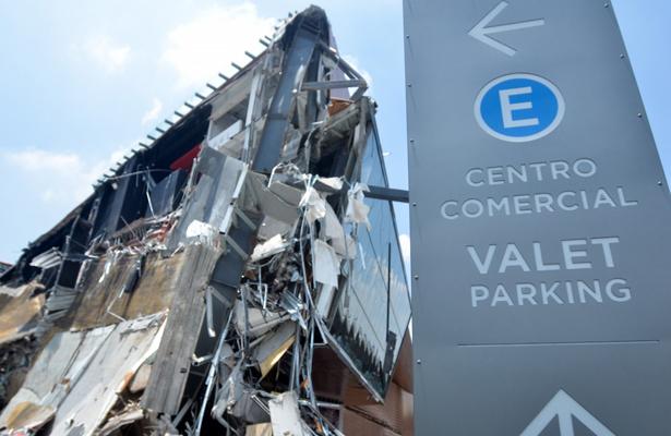 Reforzarán peritajes para conocer causas de derrumbe en plaza comercial