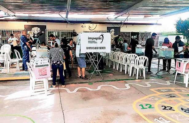 Candidatos encarcelados ganan elección a alcalde en México