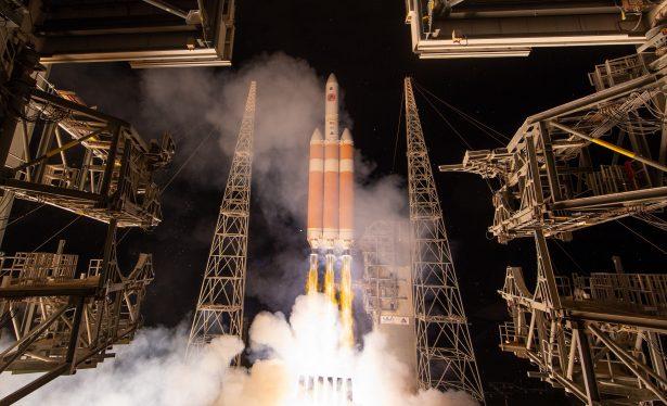 La NASA lanza histórica primera misión hacia el Sol