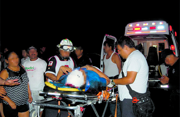 Vuelca autobús y deja 20 heridos, en Tampico