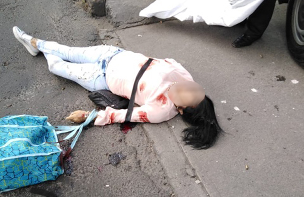 La matan de ocho balazos, en Periférico Sur