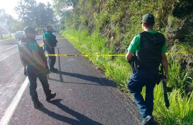 Encuentran cadáver a orilla de carretera, en Veracruz