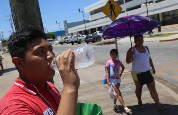 Canícula aumenta riesgos a la salud como diarrea y deshidratación