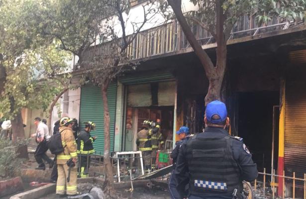 Incendio en la Merced deja a un padre y a sus dos hijos muertos  [VIDEOS]