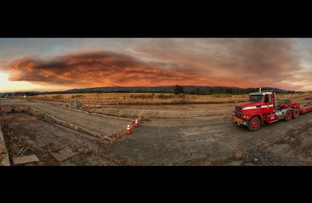 Bomberos progresan frente al incendio en California