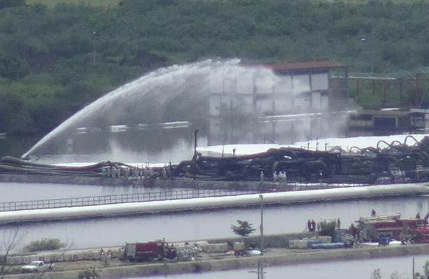 Pemex reporta falla eléctrica en refinería de Salina Cruz