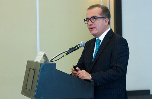 Hacen falta contrapesos en la era AMLO: Carlos Ugalde