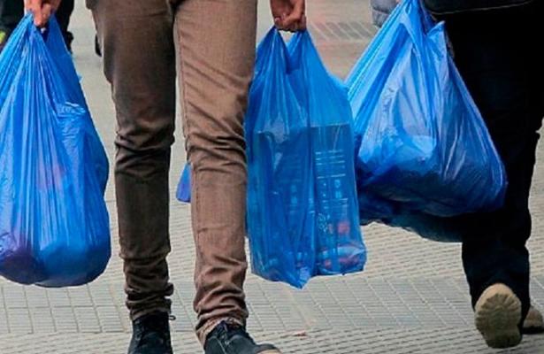 Chile, primer país latinoamericano en prohibir bolsas de plástico