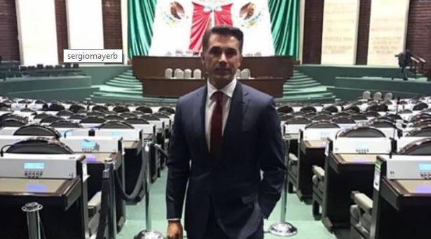 Sergio Mayer  asegura que con su sueldo de diputado no le alcanza