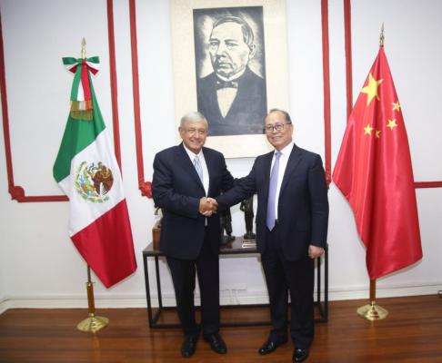 Embajador de China visita a Andrés Manuel López Obrador