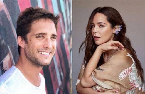 Cachan a Camila Sodi y Diego Boneta en situación comprometedora