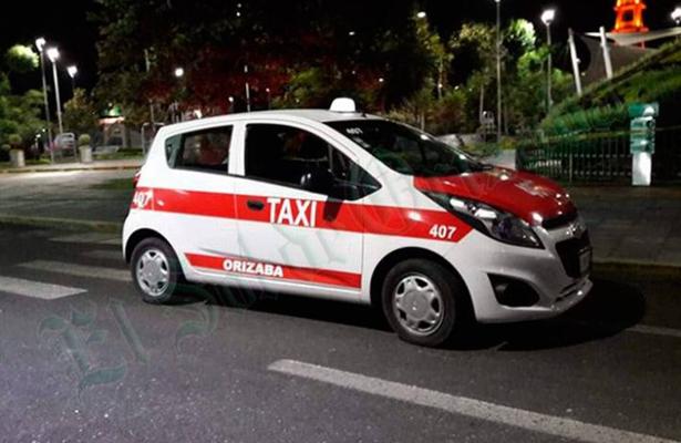 Lo asesinan a taxista a puñaladas, en Xalapa