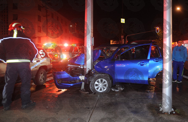 Noche lluviosa dejó varios accidentes en la CDMX