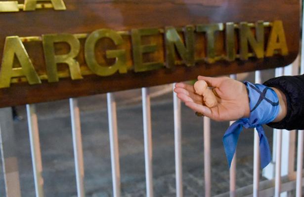 Posponen nuevo debate sobre aborto en Argentina