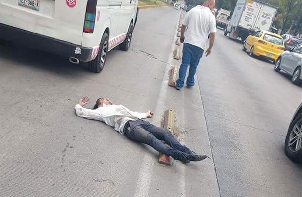 Invadió el carril del Mexibus y mató a transeunte
