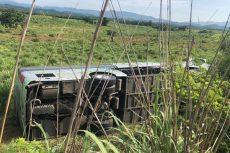 Vuelca autobús en Guerrero, hay nueve lesionados