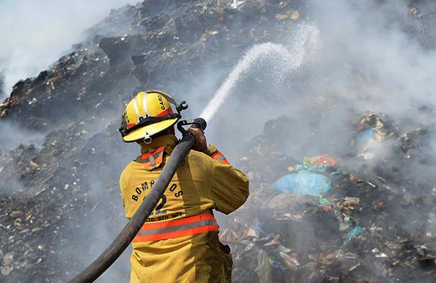 Se incendió relleno sanitario en Irapuato