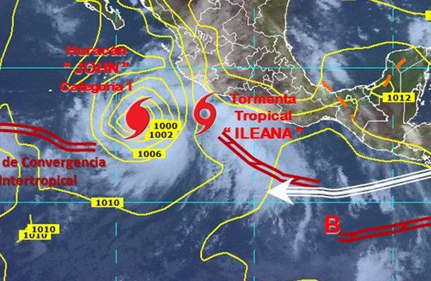 """Evoluciona """"John"""" a huracán categoría 1"""