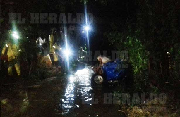 Muere familiar tras ser arrastrada por el arrollo en Jiquipilas
