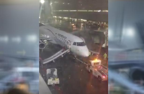 (VIDEO) Incendio de avión en el AICM hace que pasajeros sean evacuados