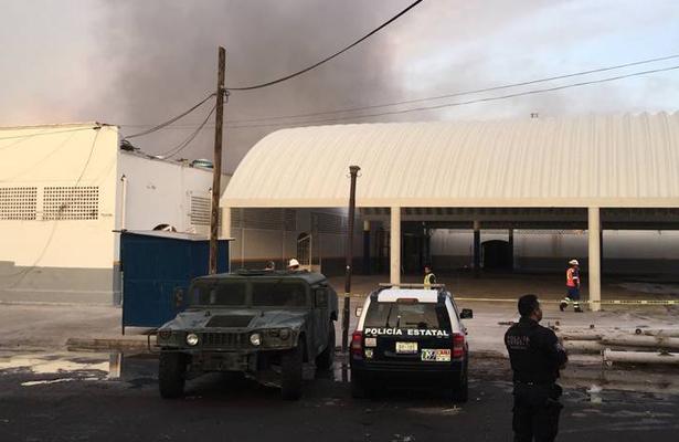 Voraz incendio se registró en el mercado El Tepetate