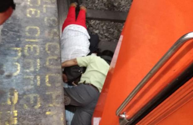 Pareja de invidentes cae a las vías del Metro Hidalgo
