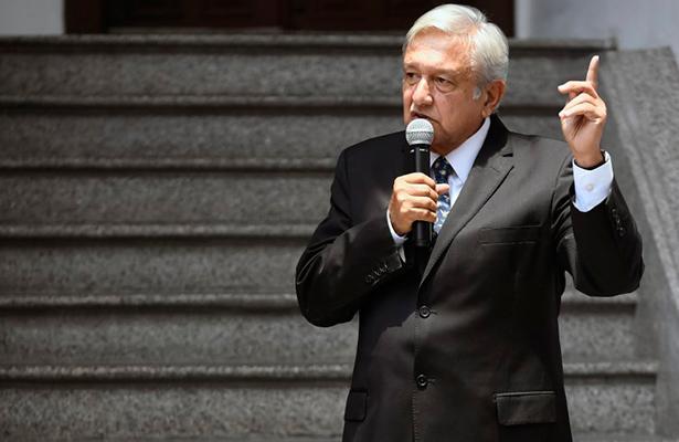 López Obrador dice que nadie amenazará más a México con un muro