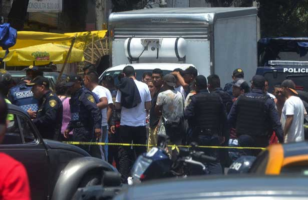 Atacan a tres menores jóvenes en la GAM; uno muere